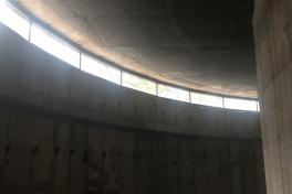 35. montaż okien w muzeum widok od wewnątrz